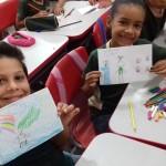 Estudantes fazem desenhos sobre as histórias que ouviram. Foto: Campus Três Lagoas